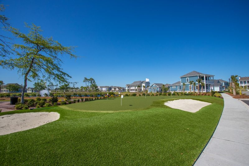 Golf putting green at living dunes